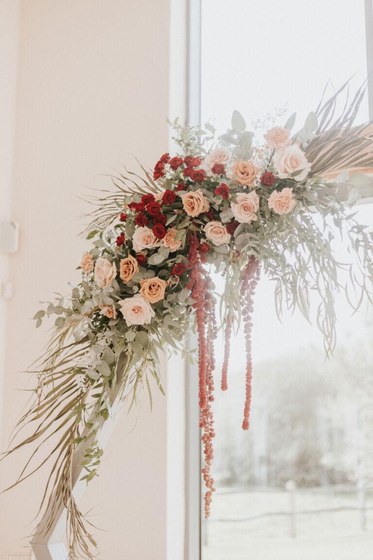 Flower-Inspiraiton-For-Micro-Wedding