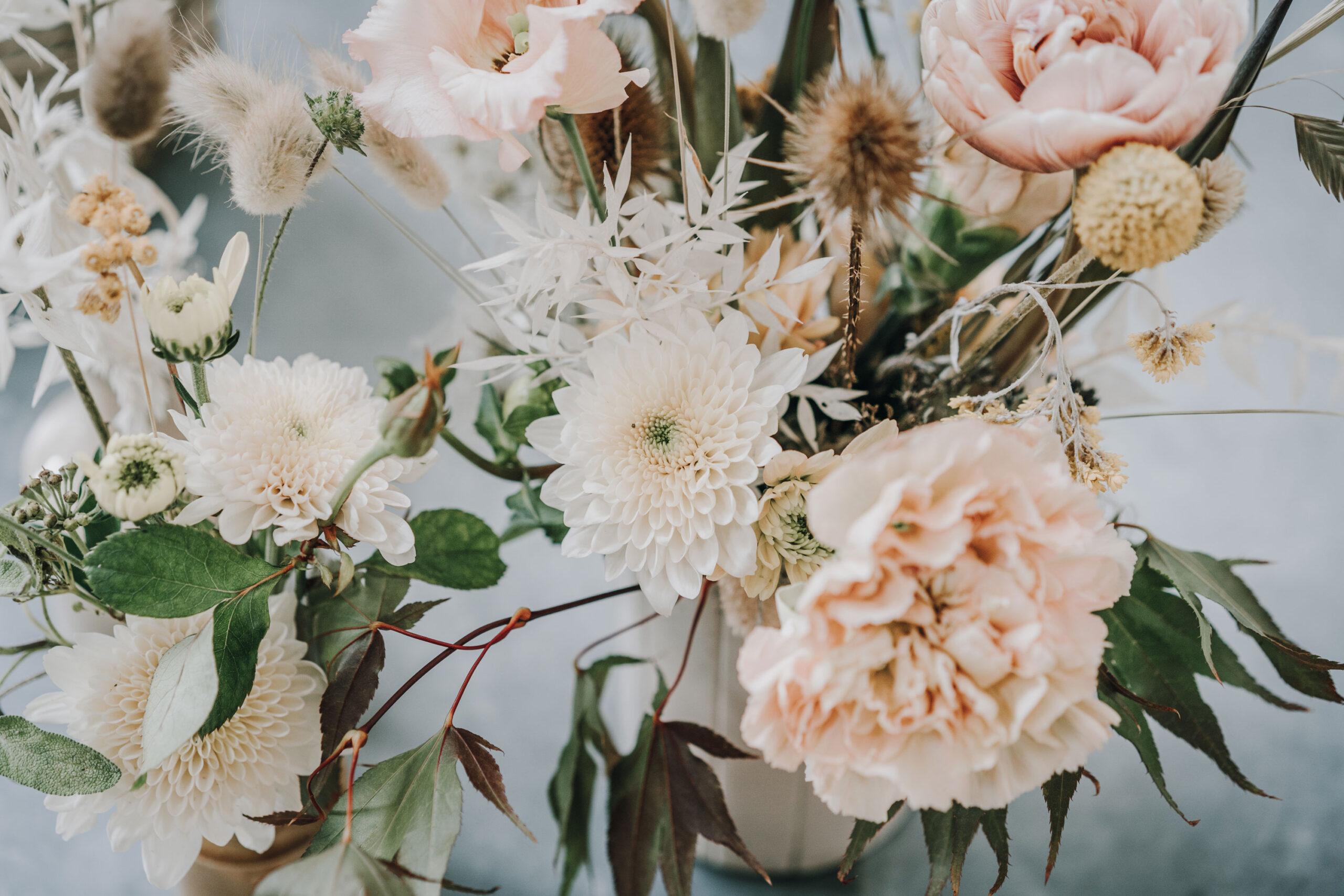 Micro-Wedding-Flower-Inspiration-at-Millbridge-Court