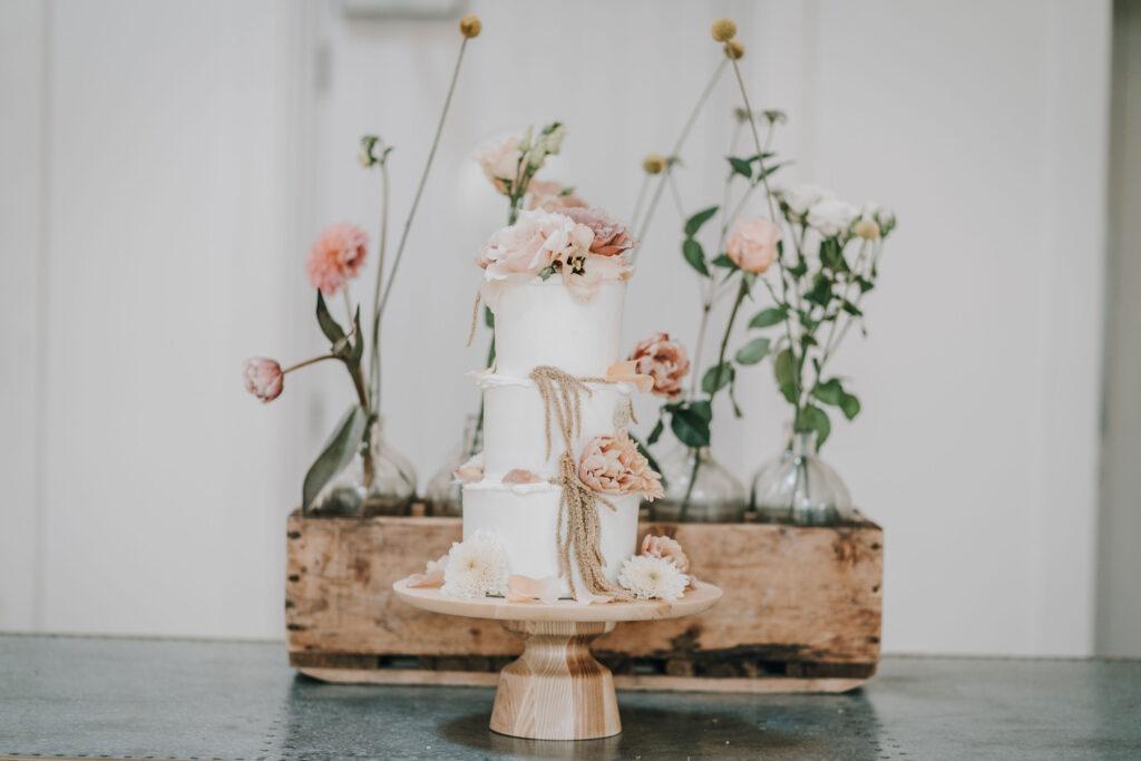 Wedding-Cake-Inspiration-at-Millbridge-Court